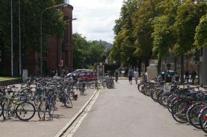 Aparcamiento de bicis en la universidad