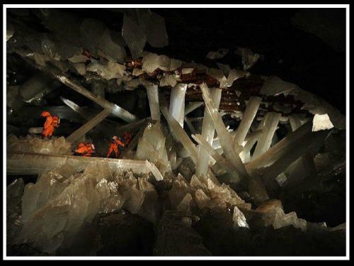 La Cueva de las Espadas en Naica