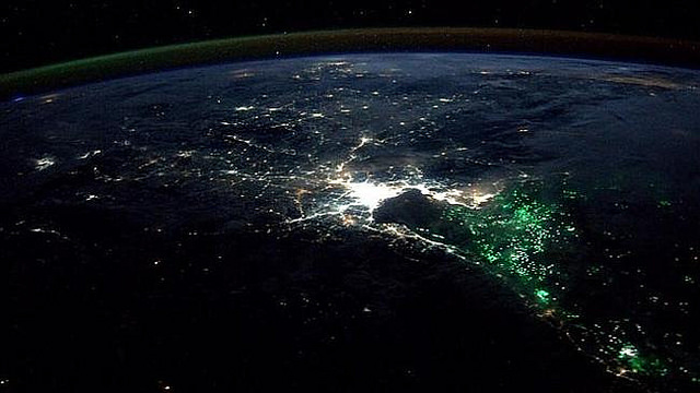 green_lights_thailand_ocean_sea